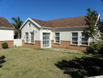 Cluster in for sale in Beacon Bay, East London