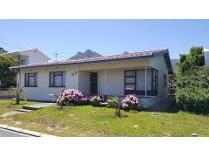 House in for sale in Kleinmond, Kleinmond