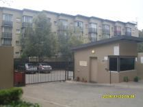 Flat-Apartment in to rent in Aeroton, Johannesburg