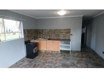 Flat-Apartment in to rent in Krugersdorp North, Krugersdorp