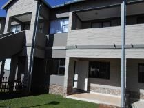 Townhouse in to rent in Rynfield, Benoni