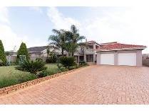 House in for sale in Robertsham, Johannesburg