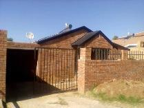House in for sale in Lenasia Ext 2, Lenasia