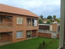 Flat-Apartment in to rent in Wentworth Park, Krugersdorp