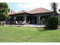House in to rent in Pecanwood Estate, Hartebeespoort