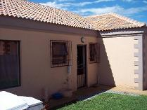 Townhouse in to rent in Fochville, Fochville