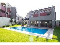 Flat-Apartment in to rent in Sunninghill, Sandton