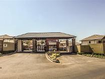 Townhouse in for sale in Glenanda, Johannesburg