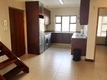 Flat-Apartment in to rent in Zonnebloem, Cape Town
