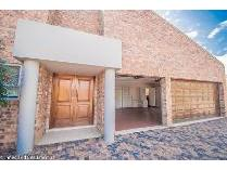 Townhouse in for sale in Three Rivers, Vereeniging
