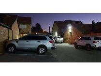 Cluster in to rent in Allen Grove, Kempton Park