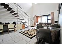Townhouse in to rent in Bedfordview, Germiston
