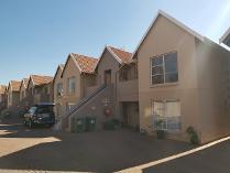 Townhouse in to rent in Alberton, Alberton
