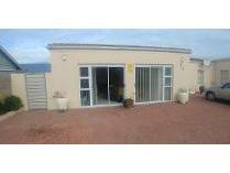 House in to rent in Yzerfontein, Yzerfontein