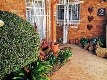 Townhouse in for sale in Birchleigh North, Kempton Park