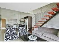 Penthouse in to rent in Bedfordview, Germiston
