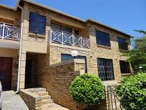 4 Bedroom Simplex For Sale In Fourways