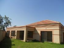 Townhouse in for sale in Arcon Park, Vereeniging