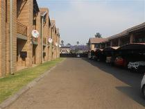 Flat-Apartment in to rent in Witbank Sp, Witbank