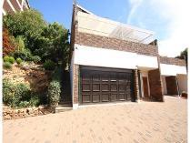 Duplex in for sale in Bedfordview, Germiston
