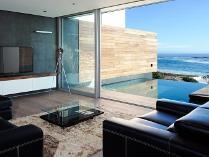 Flat-Apartment in for sale in Camps Bay, Cape Town