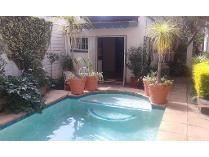 Contryhouse in to rent in Kensington, Johannesburg