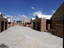 Cluster in for sale in Potchefstroom, Potchefstroom