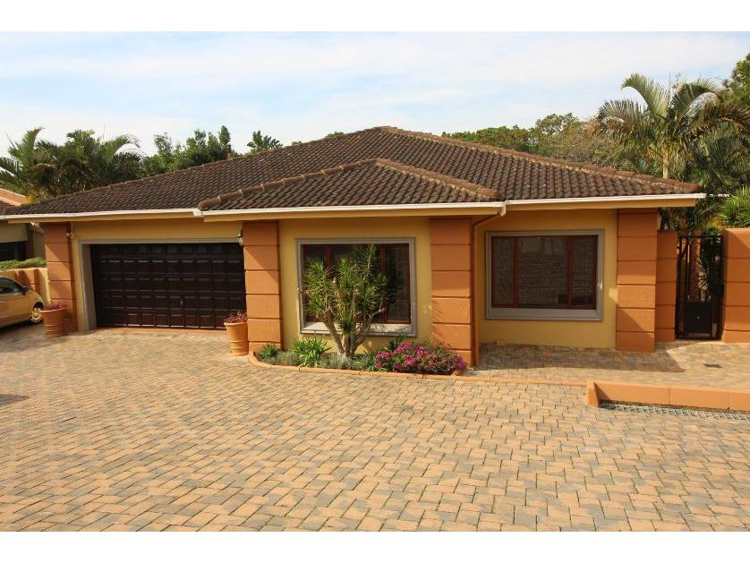 Townhouse-standar_1094307710-Uvongo, Margate
