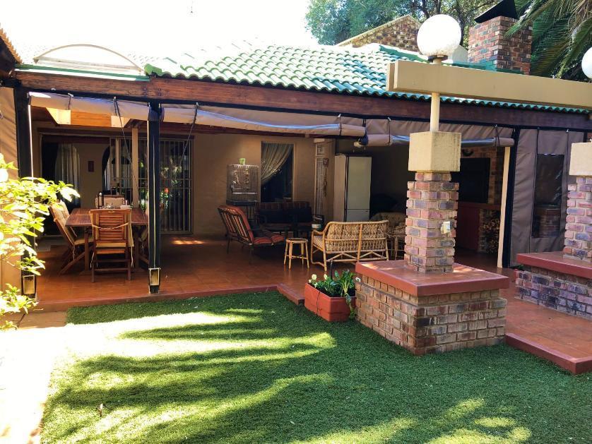 House-standar_109969346-Grimbeek park, Potchefstroom