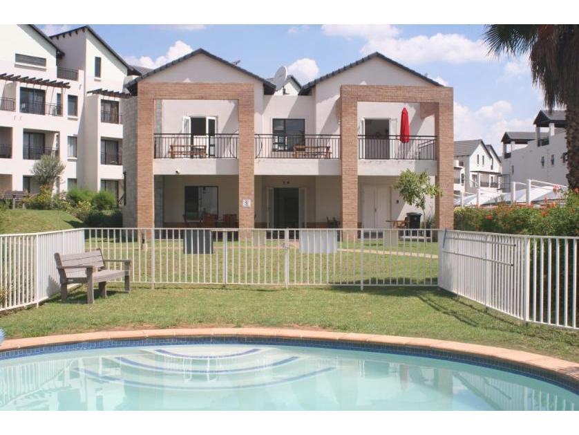 Flat-Apartment-standar_112631272-Dainfern Golf Estate, Dainfern