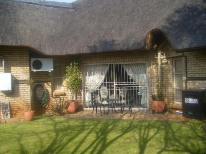 House-standar_117974045-Mooivallei Park, Tlokwe City Council