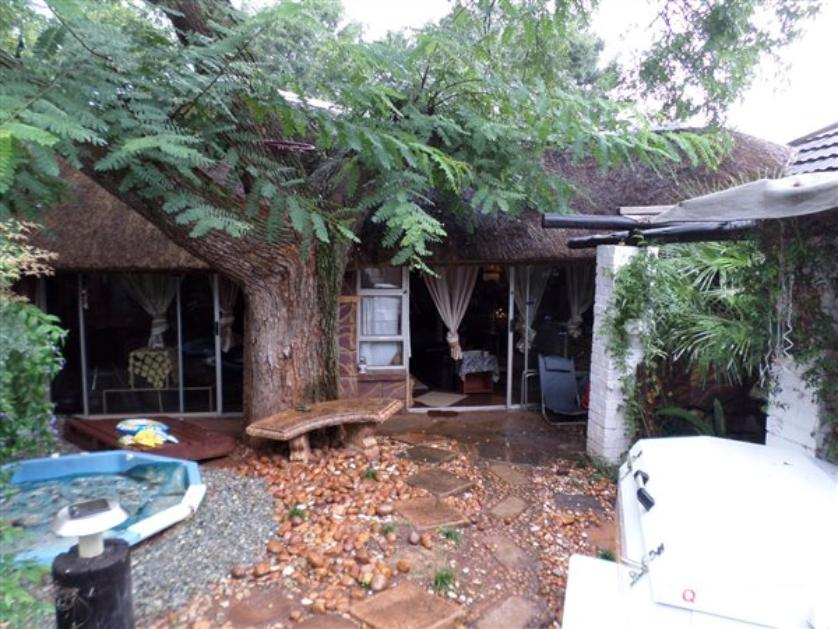 for sale of house in florida roodepoort