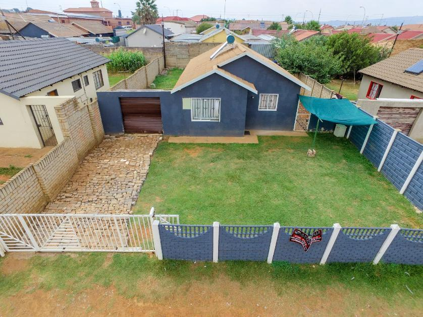 House-standar_1713322835-Lenasia South, City of Johannesburg
