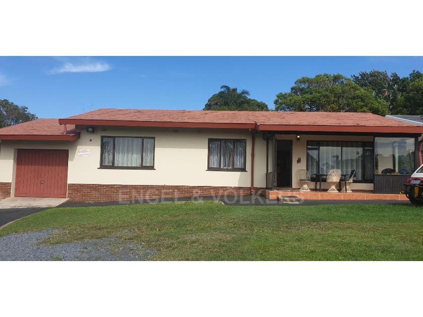 House-standar_2051474037-Uvongo, Margate