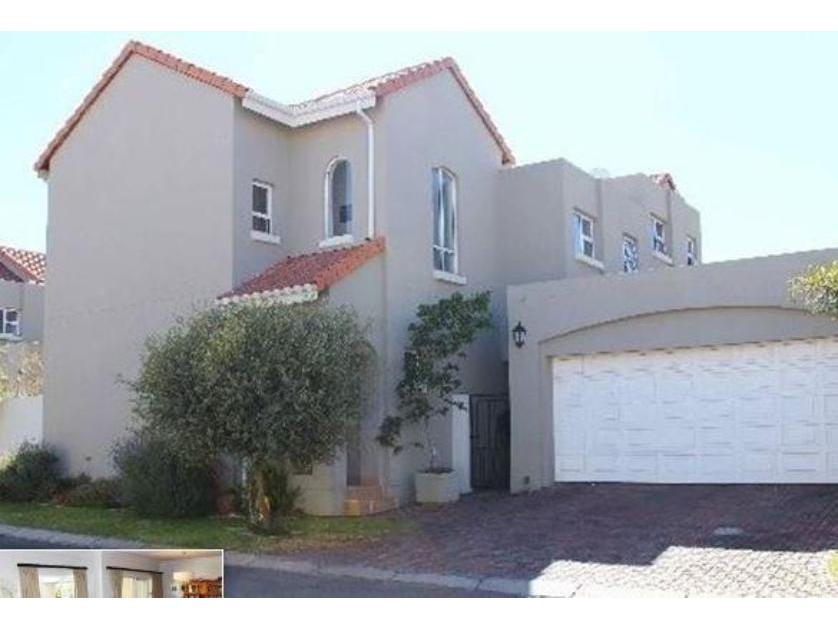Townhouse-standar_216959833-Eagle Canyon, Roodepoort
