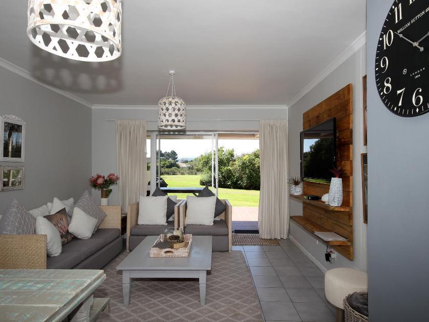 Flat-Apartment-standar_22546888-Goose Vallley Golf Estate, Plettenberg Bay