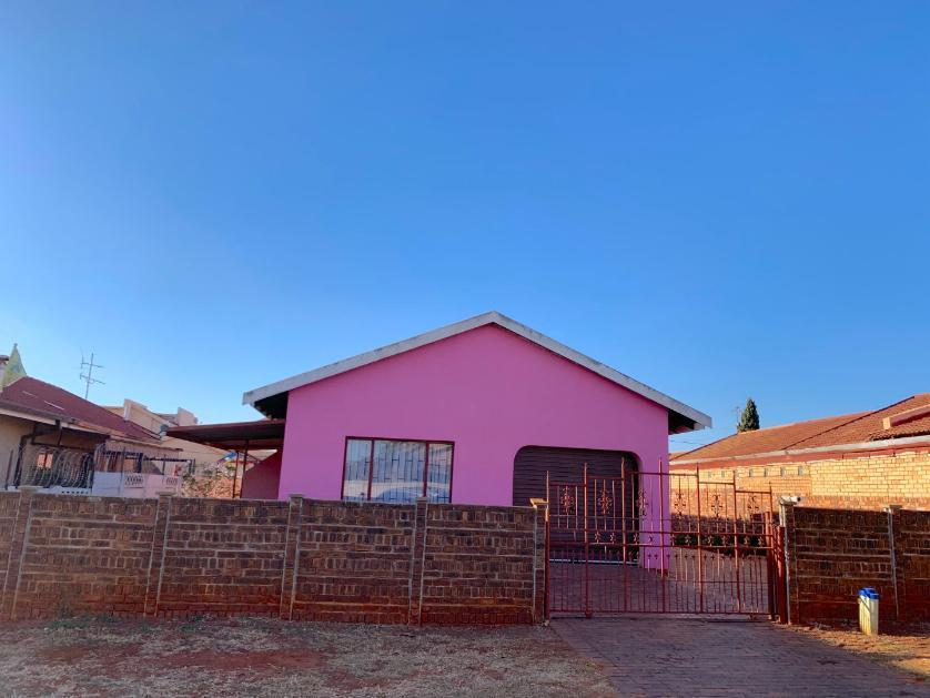House-standar_277398465-Lenasia South, City of Johannesburg