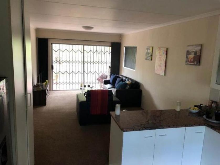 Flat-Apartment-standar_341368835-Jukskei Park, Randburg