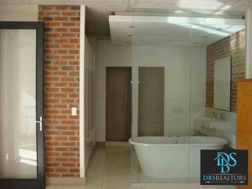 Flat-Apartment-standar_623167096-Melrose, Johannesburg