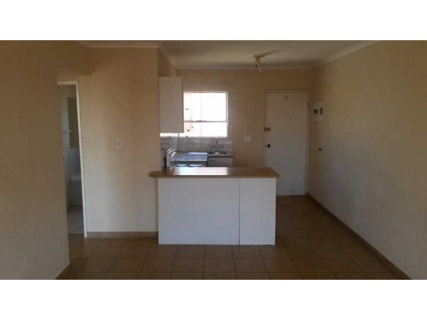 Townhouse-standar_664618866-Roodepoort, City of Johannesburg