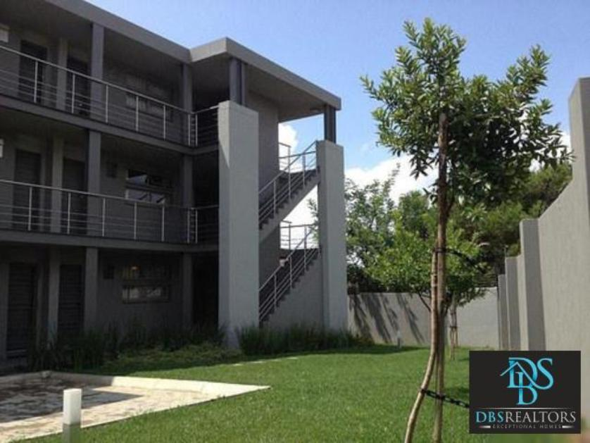 Flat-Apartment-standar_690265420-Morningside, Sandton