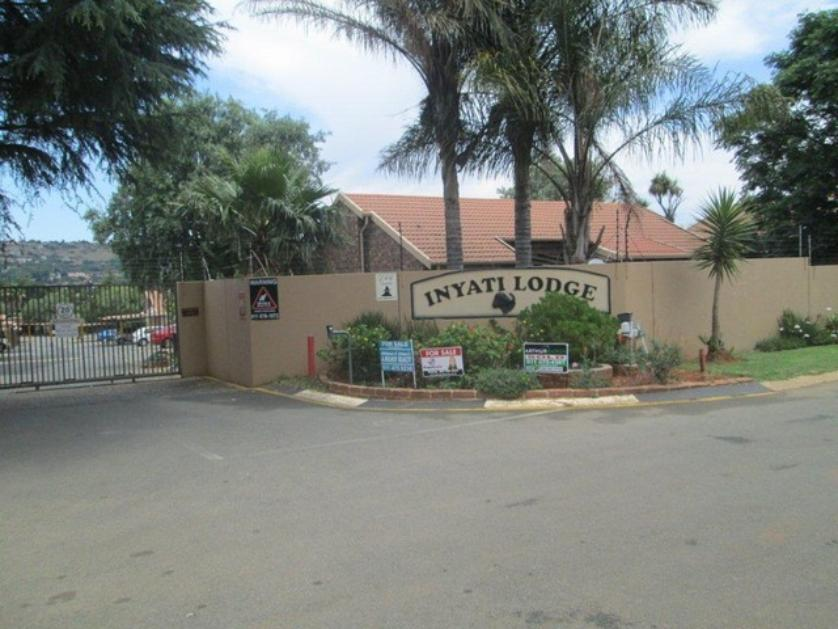 Townhouse-standar_814506405-Roodepoort, City of Johannesburg