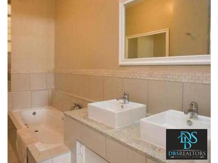 Flat-Apartment-standar_9448123-Melrose, Johannesburg