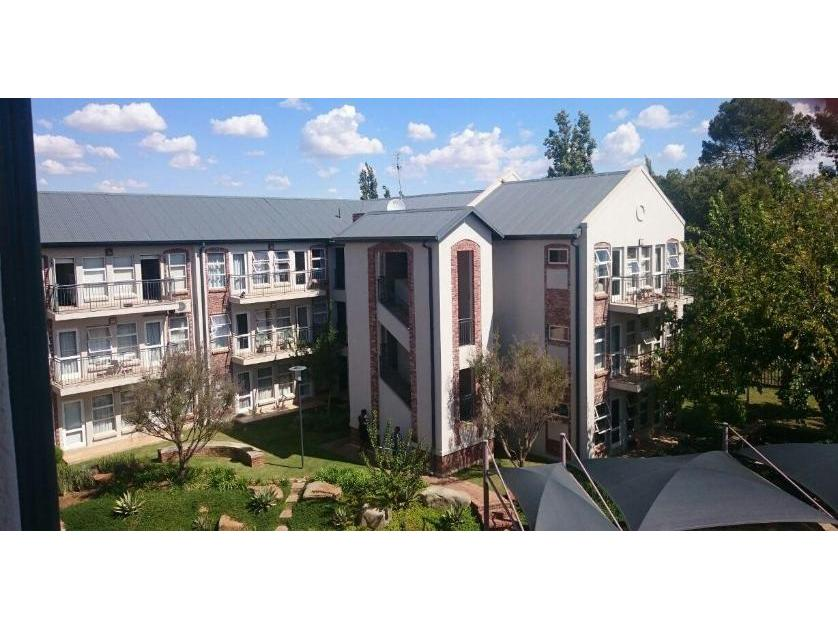 Flat-Apartment-standar_973574895-Mooivallei Park, Tlokwe City Council