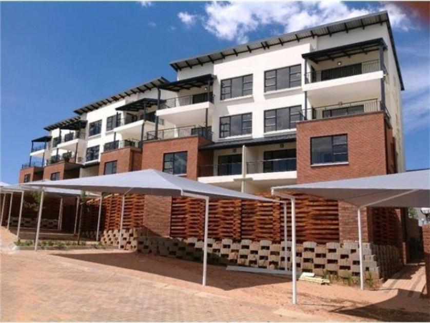Townhouse-standar_http://multimedia.persquare.co.za/s838x629_1014714200-Oakdene, Johannesburg