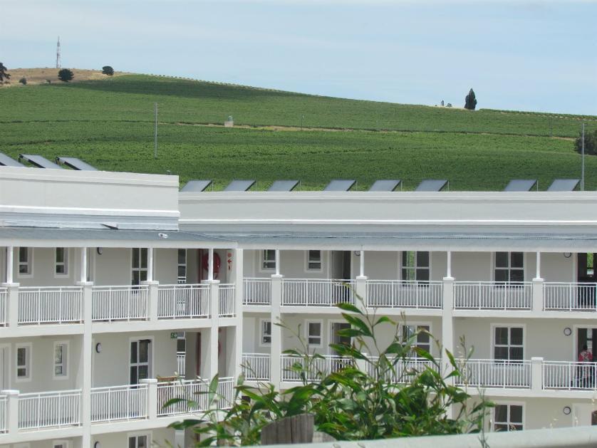 Flat-Apartment-standar_http://multimedia.persquare.co.za/s838x629_1051837686-Stellenbosch, Stellenbosch
