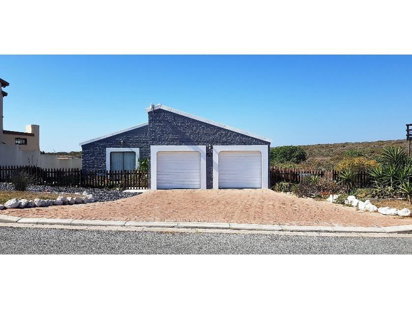 House-standar_http://multimedia.persquare.co.za/s838x629_1054235150-Yzerfontein, Swartland