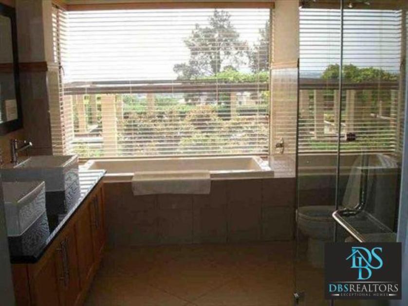 Flat-Apartment-standar_http://multimedia.persquare.co.za/s838x629_1055228998-Morningside, Sandton