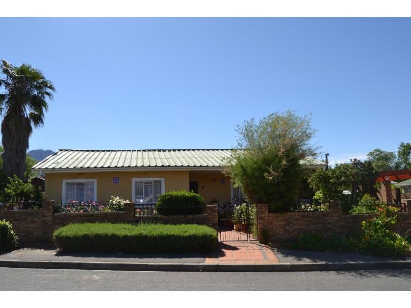 House-standar_http://multimedia.persquare.co.za/s838x629_1094286687-Ceres, Witzenberg