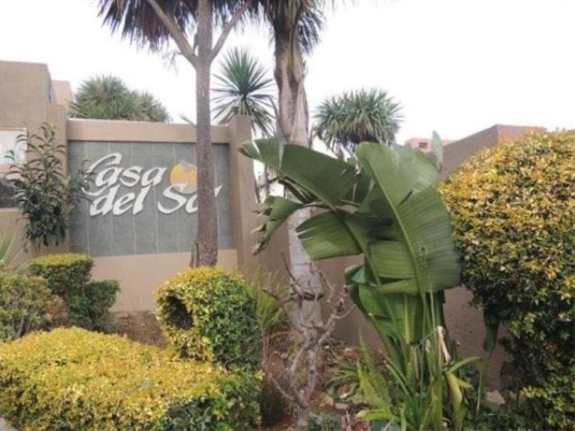 Townhouse-standar_http://multimedia.persquare.co.za/s838x629_1094861423-Winchester Hills, Johannesburg